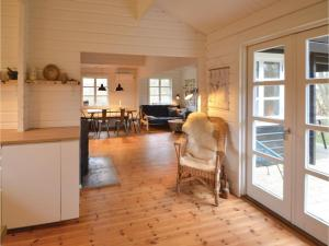 Four-Bedroom Holiday Home in Ebeltoft, Dovolenkové domy  Ebeltoft - big - 8