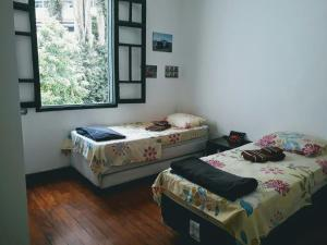 Single Bed in Dormitory Room with 2 beds