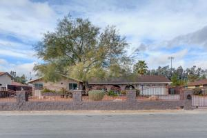 Stunning Home Close to Everything Yet Far From All, Vily  Las Vegas - big - 36
