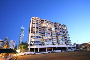 Surfers Plaza Resort - Surfers Paradise, Queensland, Australia