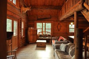 Four-Bedroom Chalet (10 Adults)