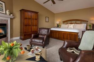 Comfort King Room with Hot Tub - Upper Level