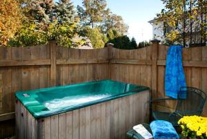 Standard King Room with Hot Tub and Spa Bath - Ground Floor - No view