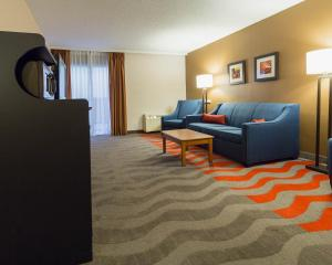 Suite with Two Double Beds and Sofa Bed - Non-Smoking