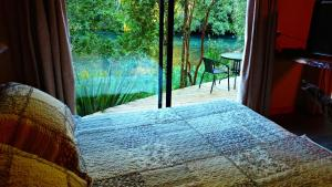 Bungalow Suite with river view and terrace