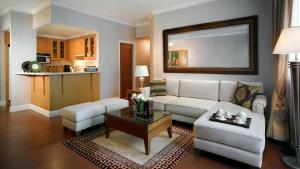 Two-Bedroom Suite with 1 King and 1 Queen bed