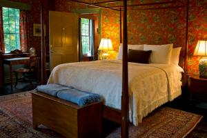 1811 House Deluxe King Room