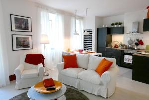 In Heart of Historic Siena 2 Bedrooms Apartment - AbcAlberghi.com