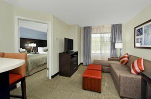 One-Bedroom Double Suite with Sofa Bed