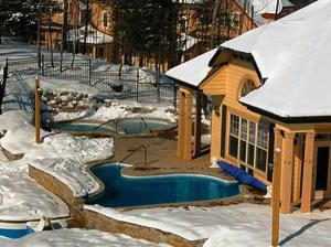 Summit At Tremblant Vip Lodging