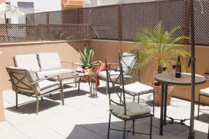 Giralda Suites By Life Apartments