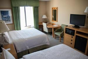 Queen Room with Two Queen Beds  - Disability Access/Non-Smoking and Bath Tub