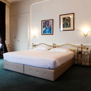 Grand Hotel, a Boscolo First Class Hotel: hotels Lyon - Pensionhotel - Hotels