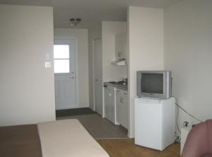 Studio (2 Adults)