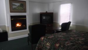 King Room with Fireplace