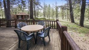 Crag 10 Holiday Home, Holiday homes  Sunriver - big - 33