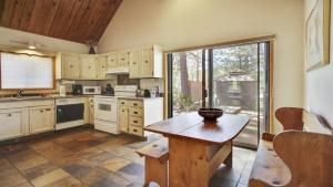 Crag 10 Holiday Home, Holiday homes  Sunriver - big - 47