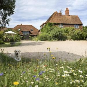Elvey Farm in Pluckley, Kent, England