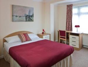 Montrose Guest House in Romford, Greater London, England