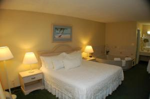 Clarion Inn Stuart - Stuart, FL 34994 - Photo Album