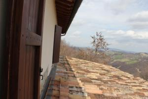 Country House La Valle Del Vento, Ferienhöfe  Urbino - big - 45
