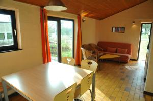 Vallee de Rabais, Holiday parks  Virton - big - 10