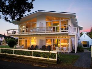 Photo of Hananui Lodge And Apartments