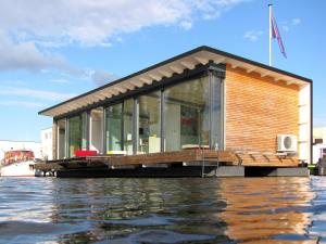 Old Town Apartments - FLODD-Floating Home
