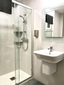 Double Room with extra bed with Shared Bathroom
