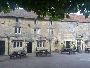 Cross Hands Hotel in Yate, Gloucestershire, England