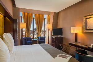 Deluxe Double or Twin Room (1-2 Adults)