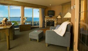Oceanfront One-Bedroom Suite
