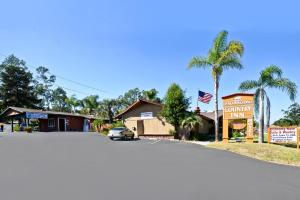 Photo of Fallbrook Country Inn