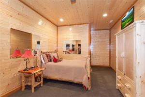 Six-Bedroom Holiday Home