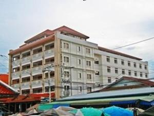 Photo of Riverfront Hotel Mukdahan