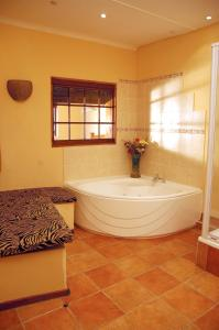 Family Garden Room 1 with Spa Bath