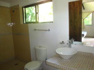 Bungalow (6 Adults) with Shared Bathroom