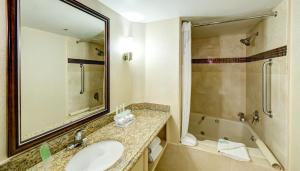 Holiday Inn Express San Diego N - Rancho Bernardo - San Diego, CA 92127 - Photo Album