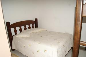 Quadruple Room with Private Bathroom Figueira