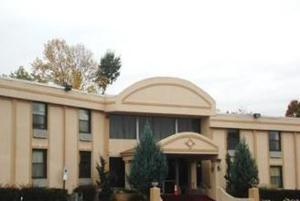 Town House Inn and Suites