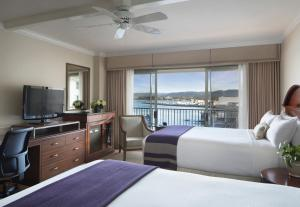 Handicap Access - Two Queen Beds with Harbor View
