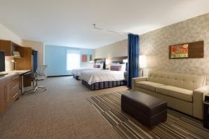 Queen Room with Two Queen Beds with Accessible Bath Tub - Non-Smoking