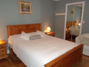 Mountain Bed & Breakfast, Bed and Breakfasts  North Vancouver - big - 9