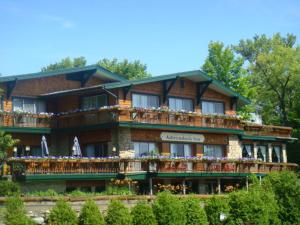 Photo of Best Western Adirondack Inn