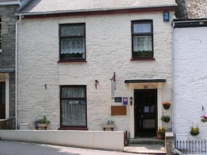 Engleton House B&B in Falmouth, Cornwall, England