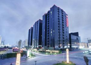 Photo of Ramada Hotel & Suites Ajman