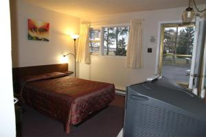 Double Room with One Double Bed - Non Smoking