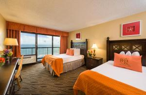 Double Room with Two Double Beds and Amusement Park View