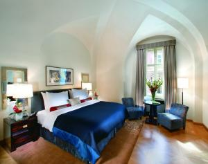Premium Double Room with Castle View