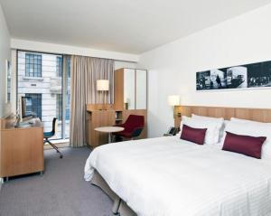 DoubleTree by Hilton Hotel London - Tower of London (3 of 39)